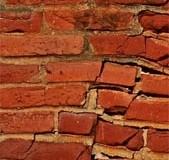 Niet alle aardbevingsschade wordt vergoed door de NAM
