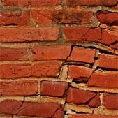 aardbevingsschade-scheur-muur